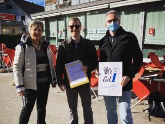 Remise de la pétition pour un service postal digne de ce nom